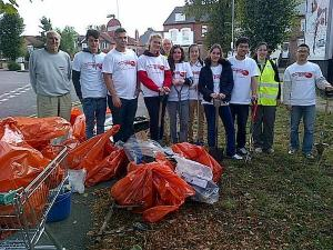 Redlands GLOBE with University of Reading students in Addington Road area