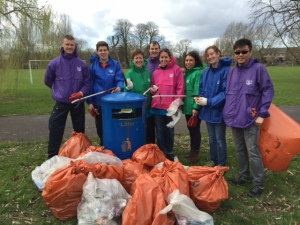 Thames Water volunteers cleared up around Kings Meadow and Thames Promenade.